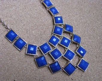 Stunningly beautiful royal blue & gold tone necklace
