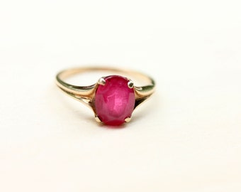 Ruby Gold Ring, Gold Ruby Ring, Vintage Ruby Ring, Pink Stone Ring, Gold Ring, 10K Gold Ring, Ruby Ring, Vintage Gold Ring, Size 6.25 Ring