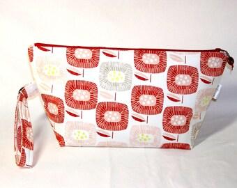 Block Blooms in Red Beckett Bag
