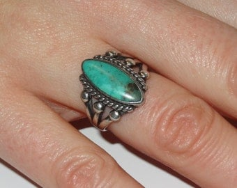 Sterling Silver and Turquoise Cabochon Ring Size 6