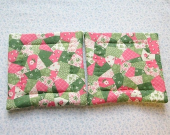pink and green country quilting hand quilted set of 2 potholders hot pads