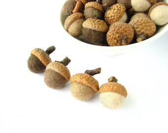 Miniature felted wool acorns. Mix of brown acorns. Acorn ornaments, home decor, natural christmas ornaments, rustic wedding, autumn decor