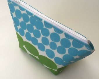 stand up makeup pouch / marimekko aqua and lime // oilcloth