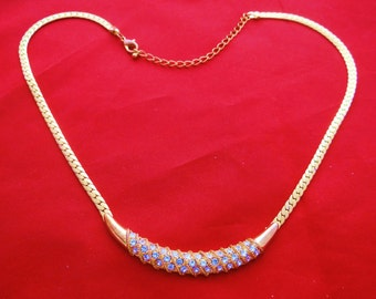 "Vintage 20"" gold tone necklace with  rhinestone center in great condition, very sparkly stones"
