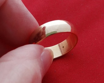 Vintage NOS new old stock gold tone band ring in unworn condition, sizes available 5(2), 7, 7.5