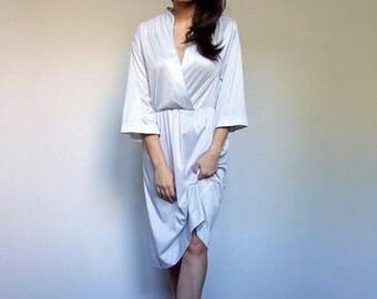 White Blue Dress Polka Dot V Neck Three Quarter Sleeve Day Dress Vintage 70s Knee Length Simple Summer Dress - Large L