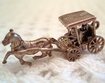 Bermuda  Souvenir Vintage Silver Charm Horse and Carriage Wheels Turn Darling and Magical