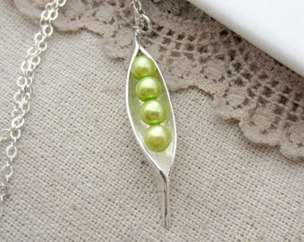 4 Pea In A Pod Necklace, Four Pea Pod Necklace, Green Pearl Necklace, Mother Necklace Sweet Pea Necklace Grandmother Necklace Peapod Jewelry