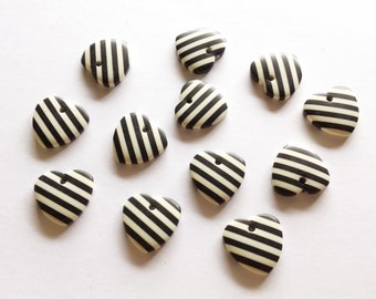 20 pcs Cute Love Heart Shape Cabochon Flatback Decoration Size 18 mm Black & White