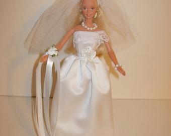 Adorable white satin wedding gown, corsage,  veil, necklace & bracelet for barbie doll