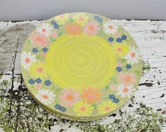 Vintage Melamine Flower Power Dinner Plates