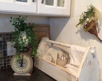 It's here - VINTAGE chippy wood garden/kitchen tote box carrier tool caddy shabby nordic french country