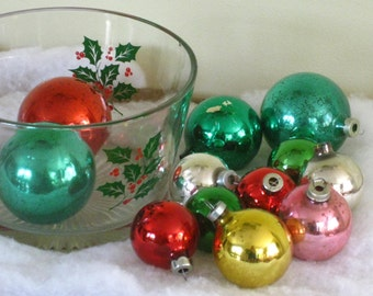 Vintage Glass Holly Ice Bucket filled with old worn christmas Tree Ball Ornaments, Mid Century Holiday Entertaining Decorating