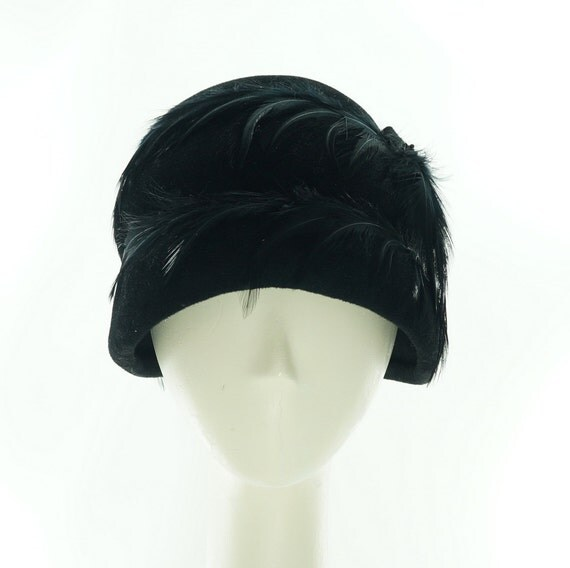 Beehive CLOCHE HAT - Feathered  Hat - Jazz Age - 1920s Fashion - Retro Fashion - Vintage Style - Downton Abbey - Felt Hat - Flapper Hat