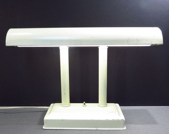 Cream Metal Desk Lamp Vintage 1950s 1960s Industrial Shabby Chic Fluorescent Desk Lamp