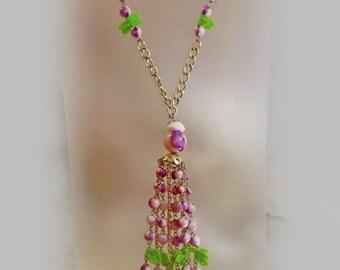 FALL SALE Vintage Purple Pink Lavaliere Necklace. Pink White Purple Bead Necklace.