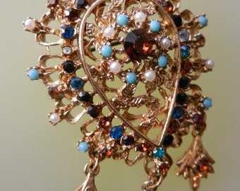 1950s Renaissance Revival Brooch with Dangles Imitation Turquoise , tiny pearls and rhinestones - Art.141/4 -