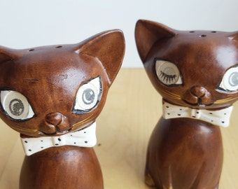 Mid Century Modern Salt and Pepper Shakers, Winking Cats, Lenticular Eyes,  Brown and Gold, Super Cute, Lego Japan