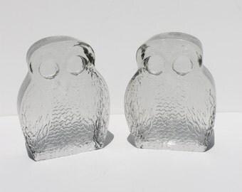 Mid Century Modern Vintage Pair of Blenko Molded Glass Owl Bookends