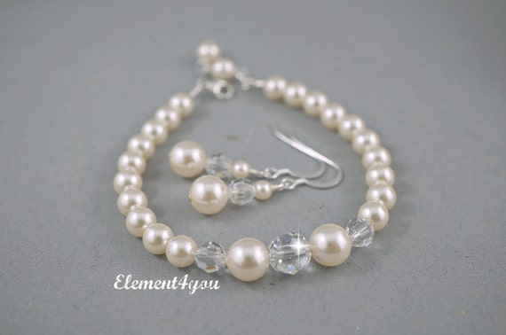 Simple bridal wedding bracelet with earrings jewelry in sterling silver made with Swarovski pearls and crystals, Choice of pearl colors