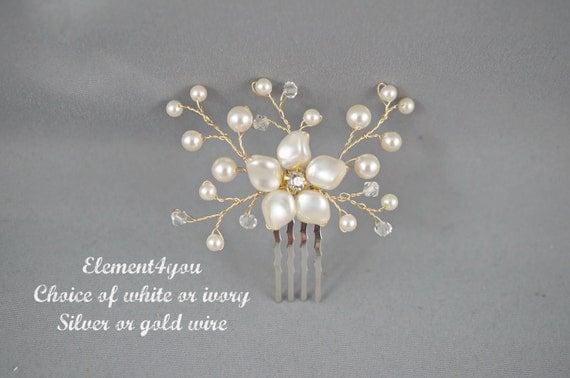 Bridal hair piece. Small hair comb. Wedding accessories. Swarovski ivory or white pearls. Floral hair comb. Flower. Bridesmaid hair. Silver.