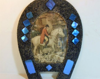 Vintage Horseshoe w/ Fox Hunting Scene, Blue Mirrors, 50s Kitsch Wall Hang