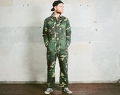 Camo MILITARY OVERALLS . Vintage 80s Men's Camouflage Army Full Cover Jumpsuit Mechanic Costume Insulated Khaki Green Outerwear . Medium