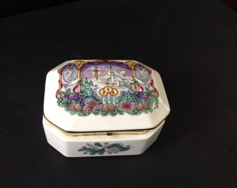 Heritage House Music Box - Melodies of Christmas - O Holy Night - 1989 Limited Edition