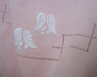 XL vintage French fine pure linen sheet with applique decoration, super kingsize, pink, curtain, bedroom decor
