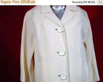 "30% OFF SALE Vintage 1950's Elegant Winter White Wool Coat very ""MAD Men"""