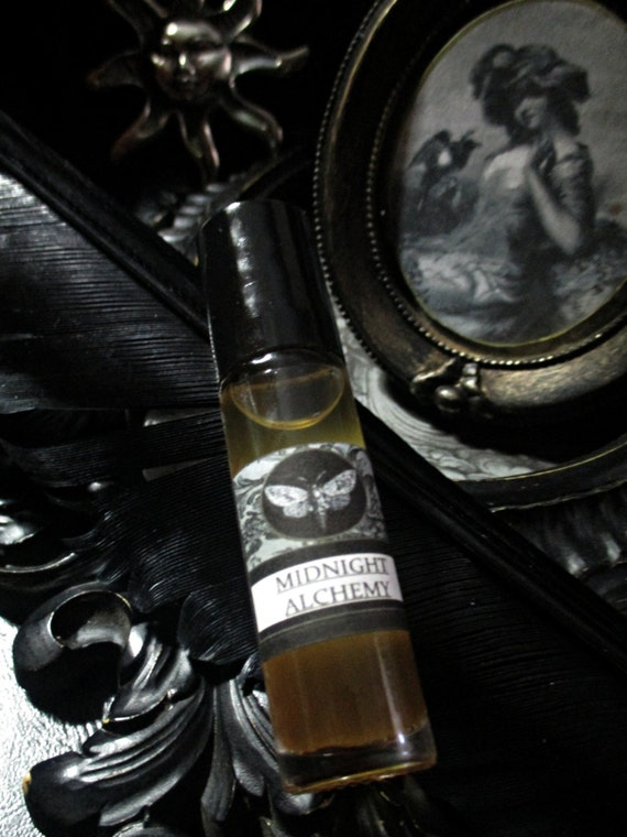 Midnight Alchemy Gypsy Natural Perfume Oil 1/3 oz roll on Patchouli, Elderberry,Almond,Orange,Dragon's Blood,Cinnamon,Rosemary,Spice