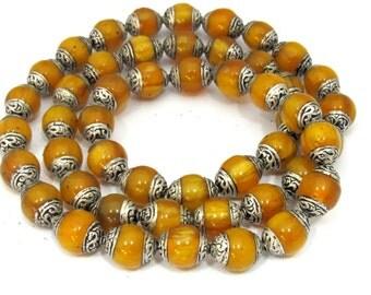 4 BEADS - Tibetan copal resin silver capped beads - BD587E