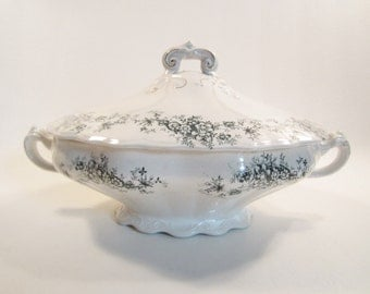 Vintage Buffalo China Covered Vegetable Dish Casserole Lamare #2 Semi Vitrious Green Floral on White