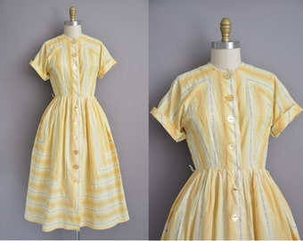 50s yellow cotton floral vintage dress / vintage 1950s dress