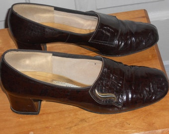 Vintage Town & Country Patent Leather Alligator-Like Shoes-Dark Brown
