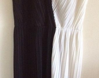Cruella devil blk and wht dress vintage size 18