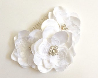 Bridal Hair Comb, Flower Hair comb, White flowers, floral headpiece