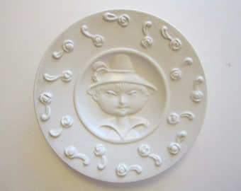 vintage miniature porcelain decorative plate - 4 inches - relief boy - marked ITALY