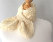 Ascot scarf hand knitted keyhole scarf in cream
