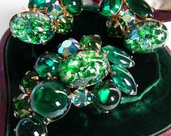 WEISS art glass brooch and clip earrings/signed vintage collectible/1950s/excellent vintage/emerald and cobalt