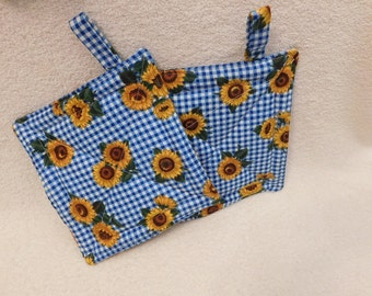 Handmade Sunflowers Hot Pads, unique gifts, kitchen accessory, quilted trivet, insulated fabric, cooking accessory, travel, flowered hotpads