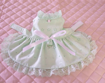 Lovely XS-S Soft Green Eyelet Dog Dress Lace Bow Pets Clothes Handmade