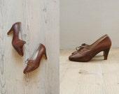 Vintage oxford heels. snakeskin heels. 1960s lace up oxfords us 8.5 / eu 38.5 / uk 5.5