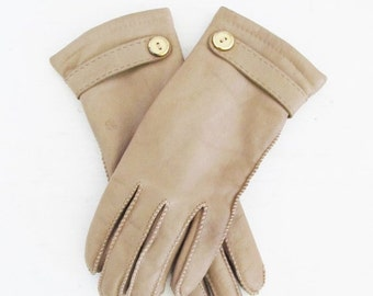 40% OFF SALE Vintage Leather Driving Gloves / Warm Cozy Isolated Winter Wrist Gloves