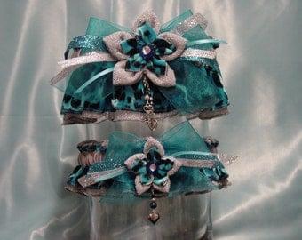 Silver and Turquoise Kanzashi Flower Leopard Print Garter Set