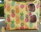 The Beach Clutch  {Pineapples} Take me to the beach! Fully lined in PUL.  Wet bag.