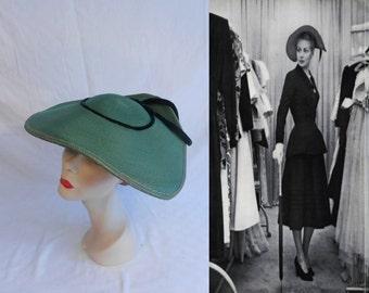 She Invaded the Closet - Vintage 1950s LaRose Dark Moss Green Straw & Velvet Oval Platter Wide Brim Hat
