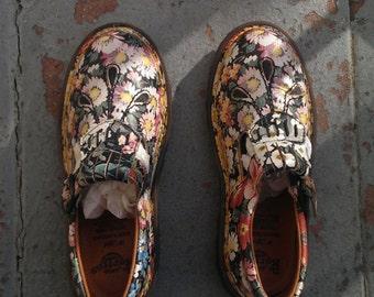 MINT Condition Vintage Novelty Floral Doc Martens, Mary Janes UK3