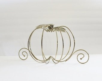 50% half off sale // Vintage 70s Pumpkin and Leaves Brass Candle Holder - Halloween, falll autumn, holiday home decor