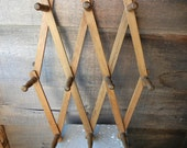 Vintage wooden folding rack accordion style wooden pegs and hanger made in Hong Kong Retro decor expandable wall rack